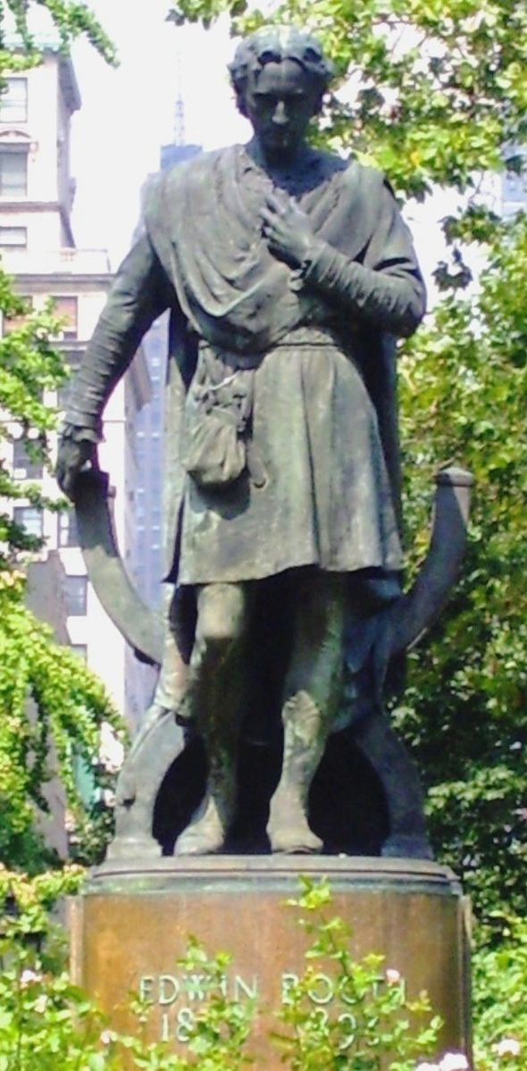 <b>Edwin Booth</b>     	</br>Statue of Edwin Booth by Edmond T. Quinn in Gramercy Park, Manhattan, New York City. Booth lived nearby at #16 Gramercy Park (South).</br><br/><b>Source: </b><i>Creative Commons.  https://commons.wikimedia.org/wiki/File:Gramercy_Park_Edwin_Booth_statue.jpg</i>