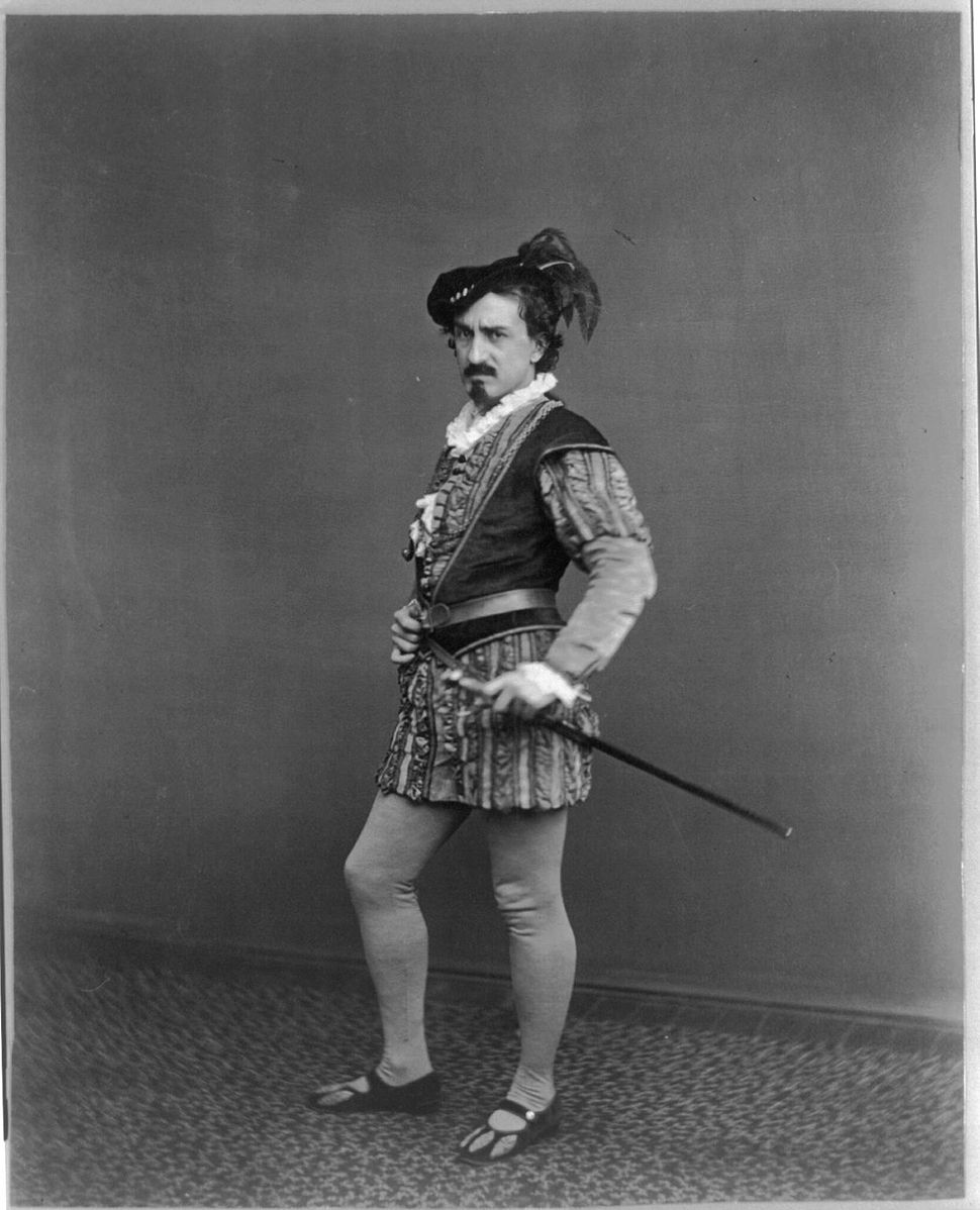 <b>Edwin Booth as Iago</b>     	</br>Edwin Booth as Iago, in Shakespeare&#39;s Othello, the Moor of Venice, circa 1870.</br><br/><b>Source: </b><i>Public Domain.  https://commons.wikimedia.org/wiki/File:Edwin_Booth_as_Iago.jpg</i>