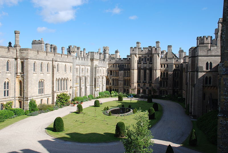 <b>Arundel Castle, 2007</b>     	</br>Courtyard of present-day Arundel Castle, Arundel, West Sussex, England, 2007</br><br/><b>Source: </b><i>The courtyard of Arundel Castle, West Sussex, England by Mark Tollerman. Available under a Creative Commons Attribution 2.0 Generic License at http://en.wikipedia.org/wiki/File:Arundel_Castle_-West_Sussex,_England-12Aug2007.jpg</i>
