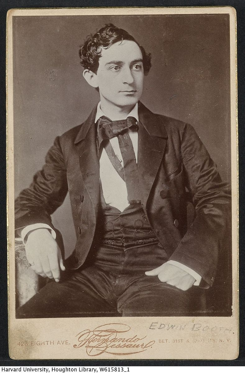 <b>Edwin Booth</b>     	</br>Cabinet card image of Edwin Booth in 1856 taken by Fernando Dessau a New York photographer.</br><br/><b>Source: </b><i>Public Domain. TCS 1.2911, Harvard Theatre Collection, Harvard University. https://commons.wikimedia.org/wiki/File:Harvard_Theatre_Collection_-_Edwin_Booth_TCS_1.2911.jpg</i>